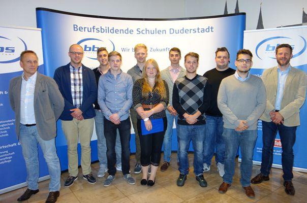 2016-06-03-BBS Duderstadt gratuliert Kaufleuten im Groß- und Außenhandel